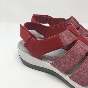 3fb31915ef80 Clarks Shoes - Clarks Cloud Steppers Sandals Sz 9W Arla Shaylie